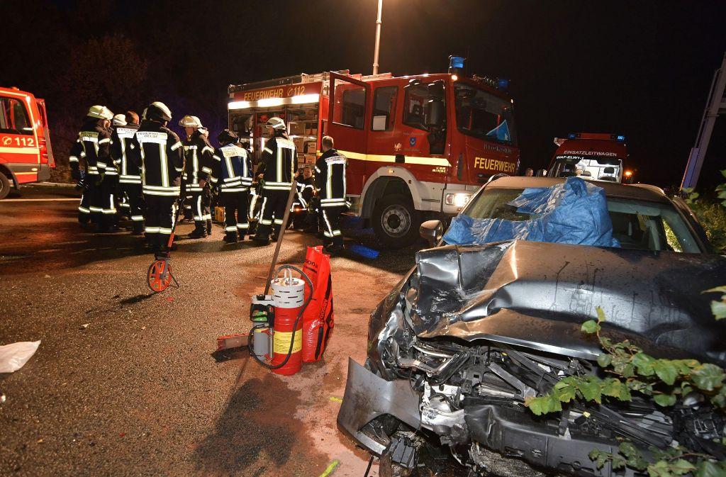 Zwölf Fahrzeuge waren in die Karambolage verwickelt. Foto: dpa