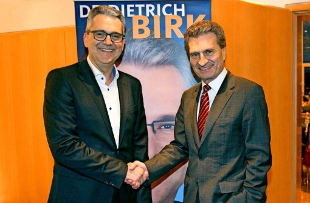 Am vergangenen Wochenende hat sich Dietrich Birk (links) als aktiver Politiker und Landtagsabgeordneter mit einem großen Empfang in Wangen (Kreis Göppingen) verabschiedet. Rund 500 Gäste waren gekommen, darunter auch EU-Kommissar Günther Oettinger. Foto: Horst Rudel