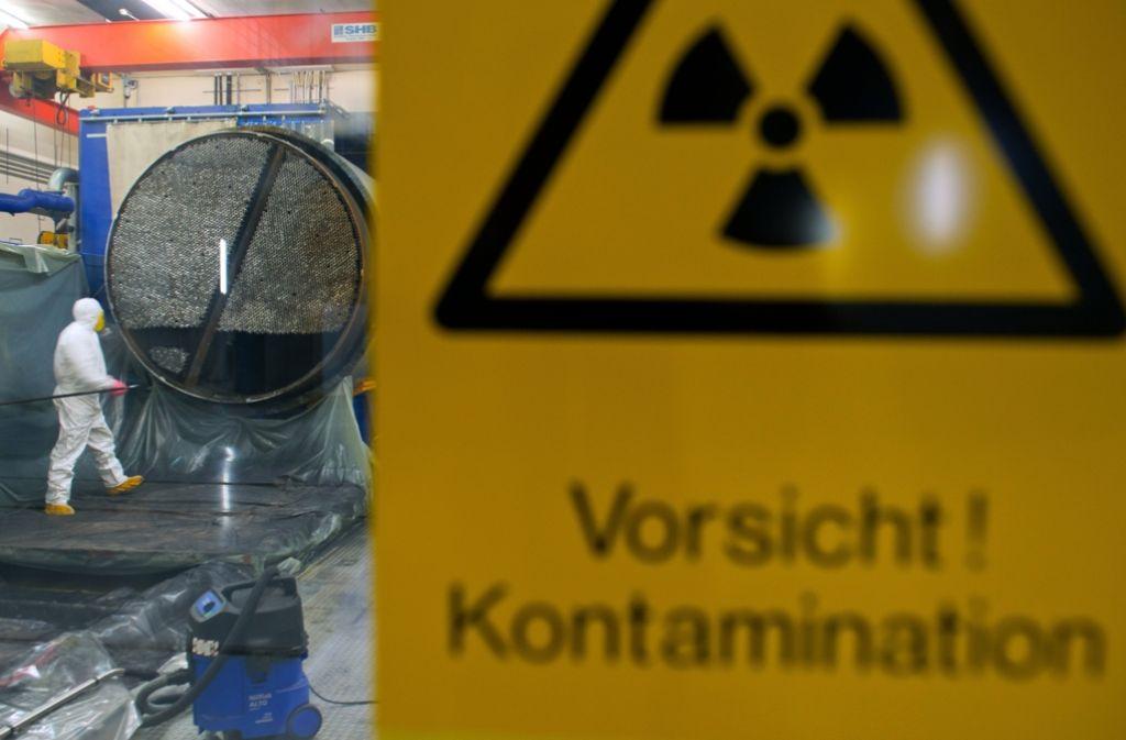 Einen Teil der Energie-Konzern-Milliarden will sich der Staat sichern und so die Steuerzahler beim geplanten Atomausstieg bis 2022 schonen. Foto: dpa
