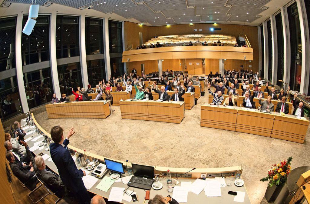 48 Stadträte stimmtem dem Haushalt zu,  drei enthielten sich und sieben lehnten ihn ab. Foto: Lichtgut/Leif Piechowski