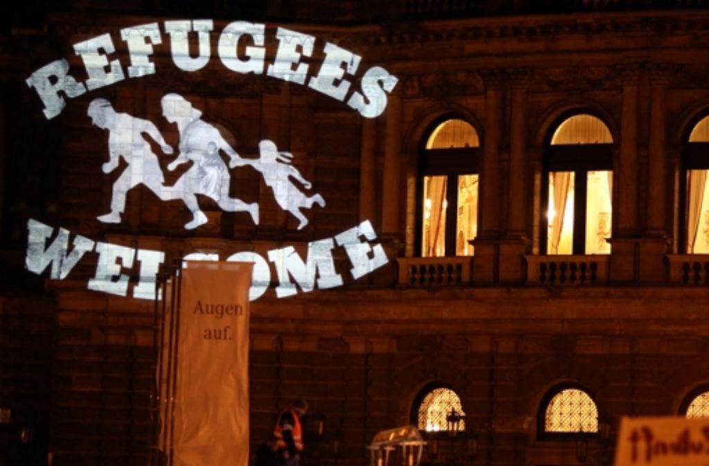 In deutschen Städten – wie hier in Dresden – regt sich Protest gegen Pegida. Foto: dpa