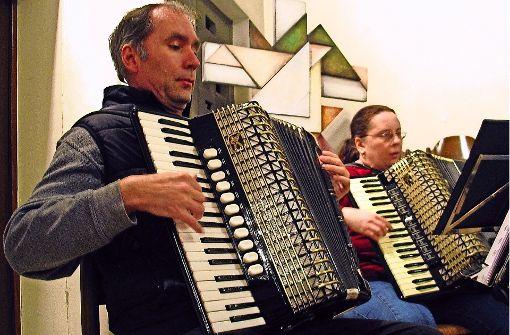 Ein ungewöhnliches Duo: Dudelsack und Handharmonika
