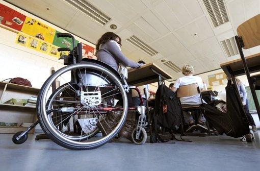 Kinder mit einer Behinderung haben in Baden-Württemberg das künftig das Recht, eine Regelschule zu besuchen Foto: dpa