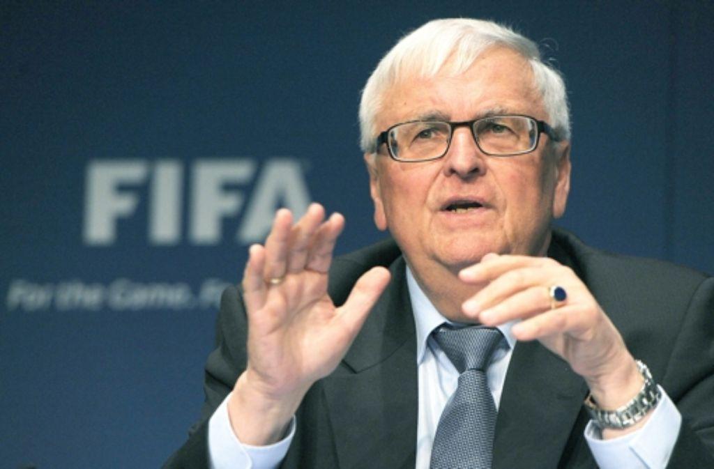 Theo Zwanziger widerspricht Wolfgang Niersbach: Es hätte sehr wohl eine schwarze Kasse im Zusammenhang mit der WM 2006 gegeben. Foto: dpa
