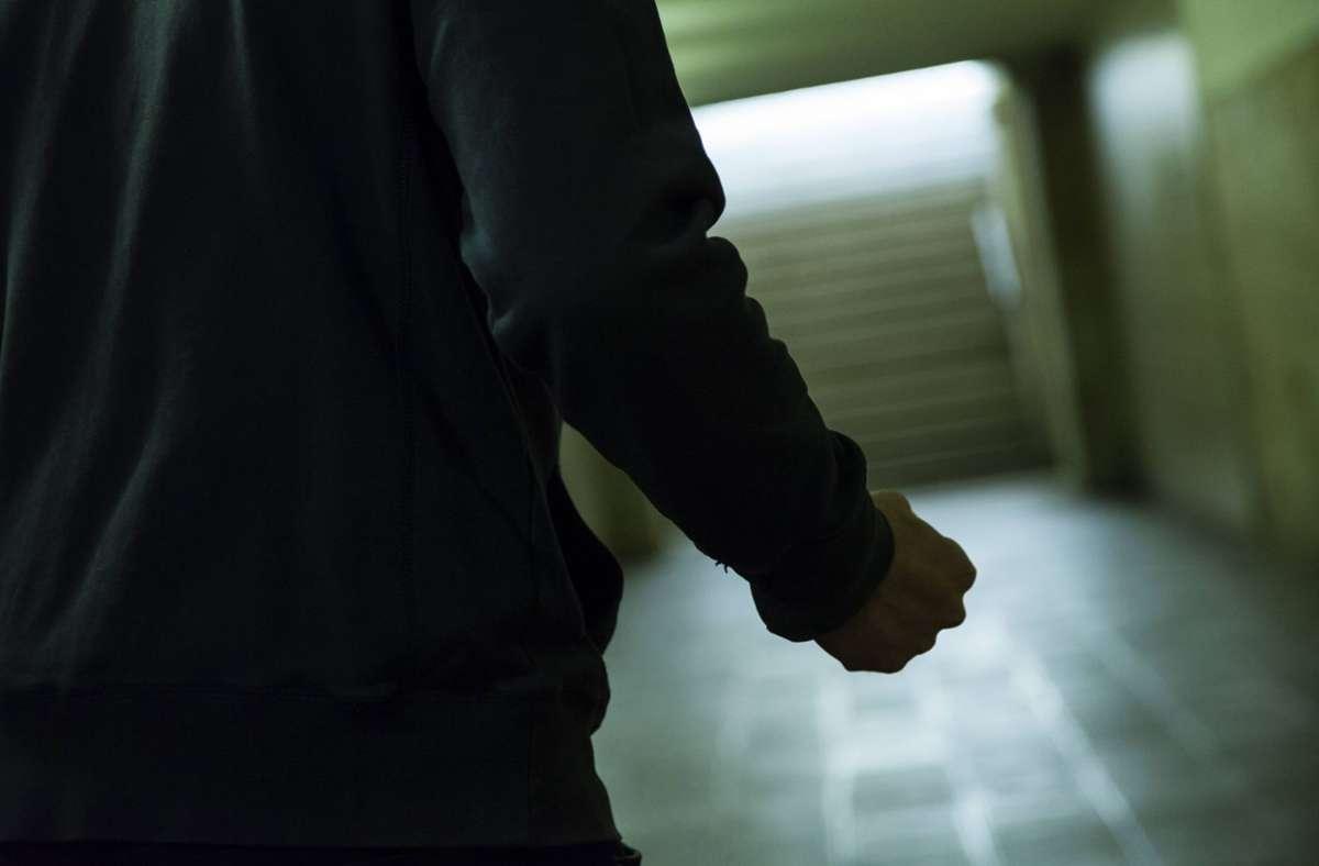Einen handfesten Streit haben ein Chef und sein ehemaliger Mitarbeiter ausgetragen (Symbolbild). Foto: imago/STPP/imago stock&people