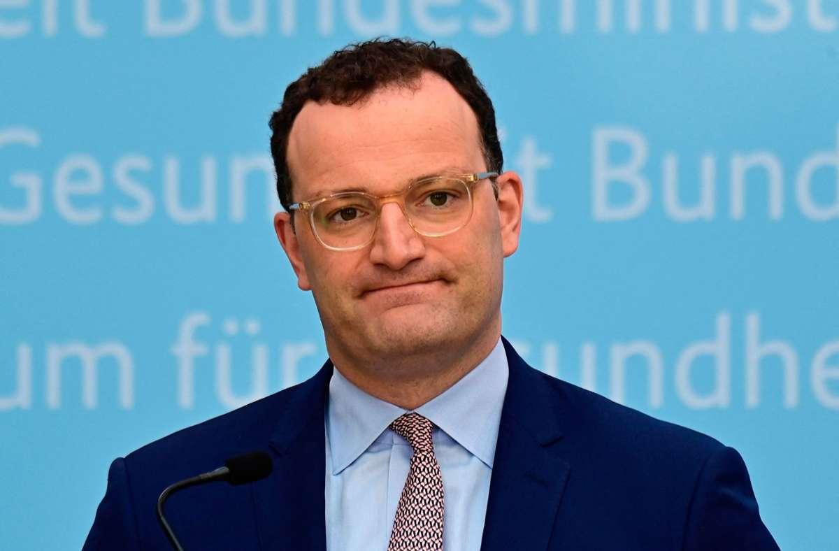 Politiker erheben schwere Vorwürfe gegen Jens Spahn. (Archivbild) Foto: AFP/TOBIAS SCHWARZ