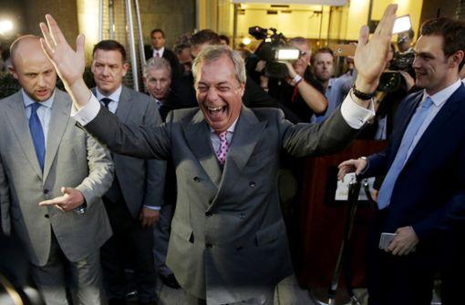 Europa-Hasser Farage sahnt in Brüssel ab
