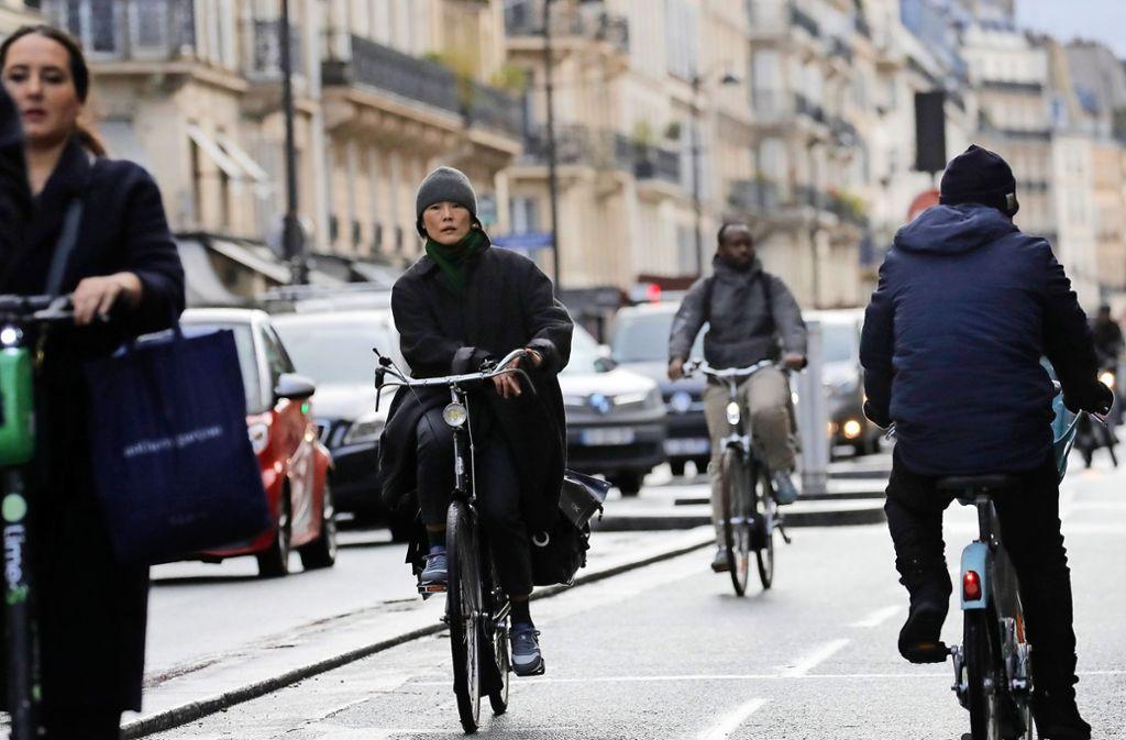 Fahrräder boomen gerade in Paris, vor allem während der Streiks. Foto: dpa/Christophe Ena