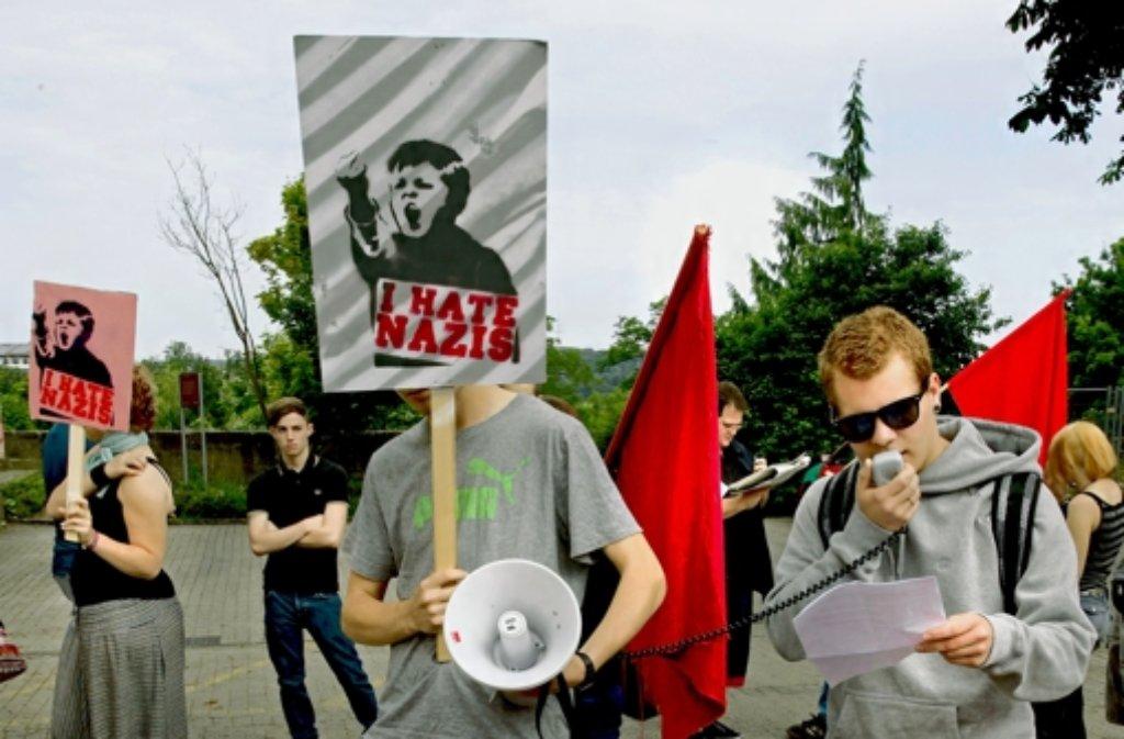 Linke Demonstranten vor dem Amtsgericht. Foto: factum/Krieger