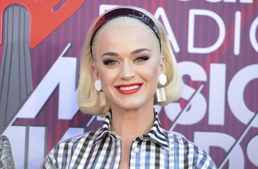Popstar gibt Schwangerschaft bekannt