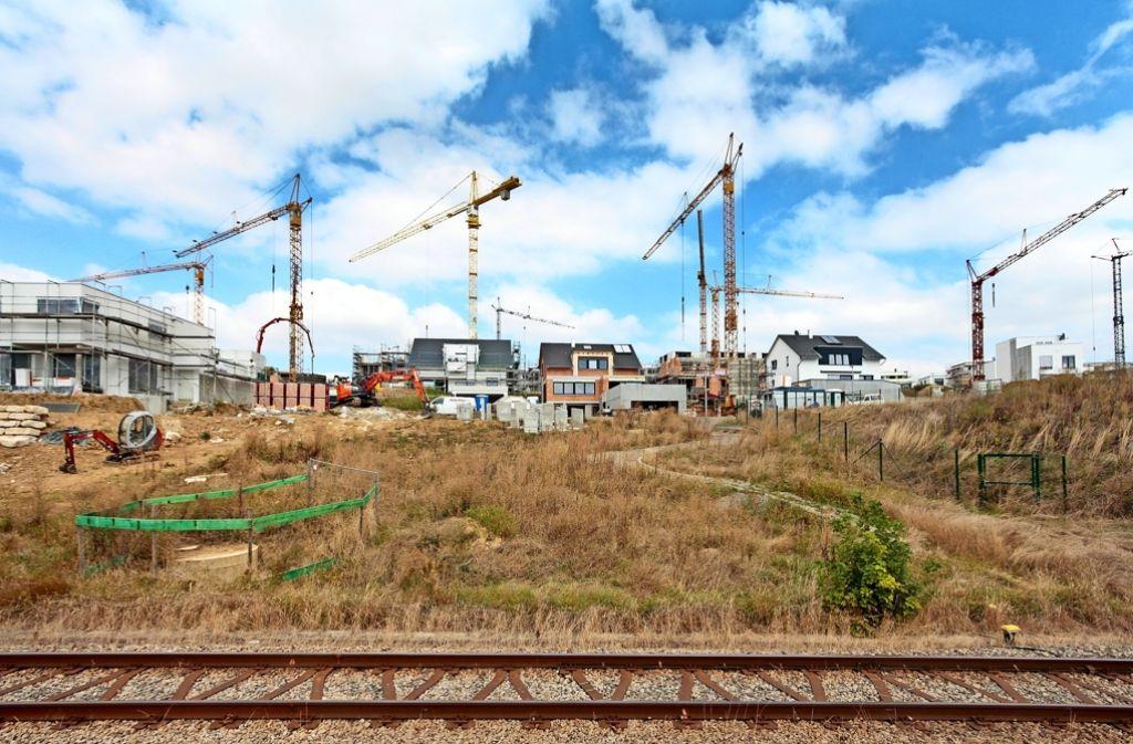 An der Strohgäubahn-Linie in Hemmingen entsteht das Gebiet Hälde. Foto: factum/Granville
