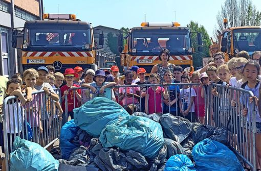 Der Müll auf dem Schulweg reicht für 30 Säcke