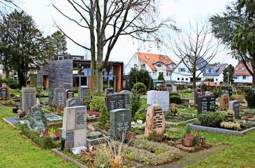 Der totgesagte Friedhof besteht länger als gedacht