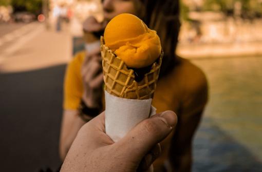 Frühling-vibes im Kessel! Wir haben die coolsten Eis-Spots in Stuttgart für euch zusammengefasst.