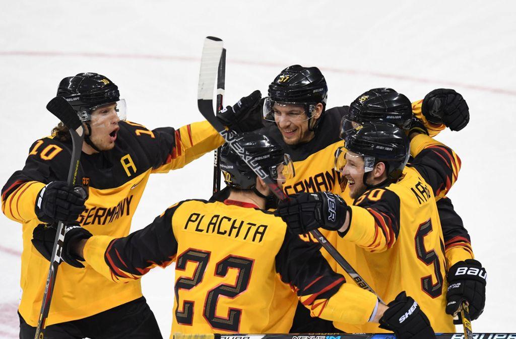 Das gab es noch nie bei Olympia: Das deutsche Eishockey-Team hat sensationell das Finale um Gold erreicht. Foto: AFP