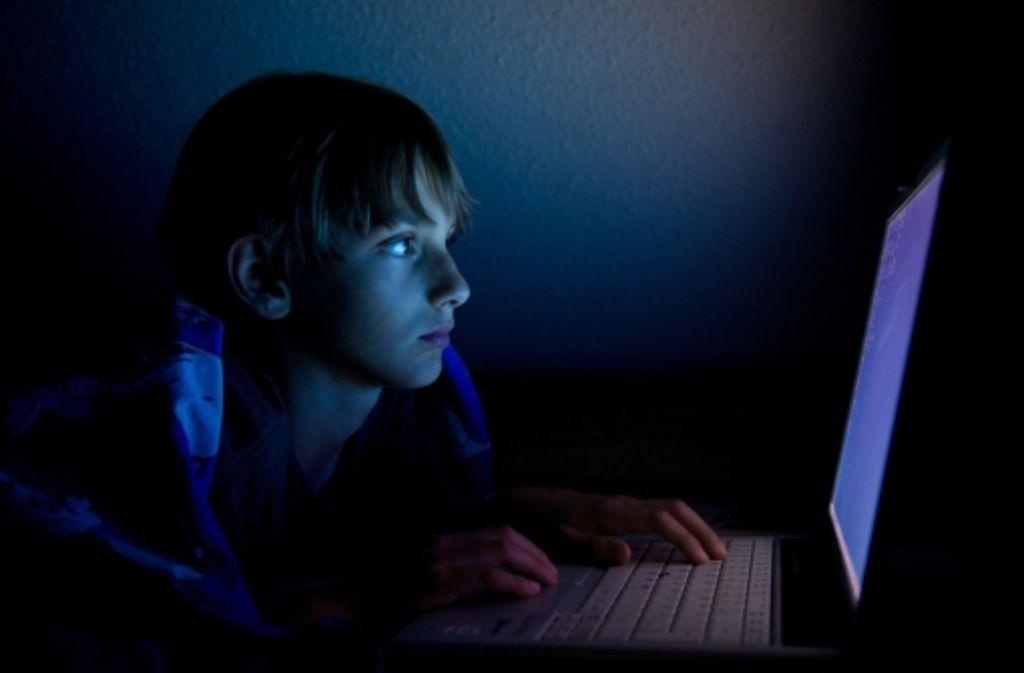 Kinder sollten sparsam mit persönlichen Daten umgehen. Foto: dpa-Zentralbild