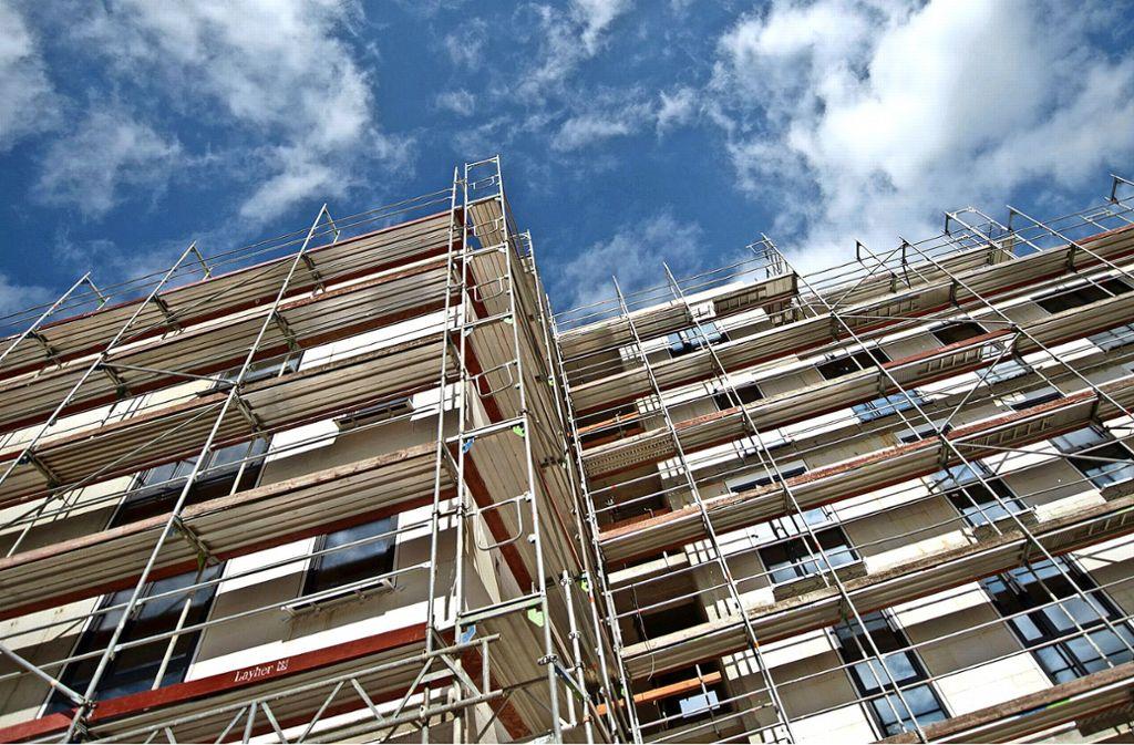 Stuttgart braucht neue Wohnungen – und die Stadtverwaltung müsste nachdrücklicher über Bauflächen verhandeln, meint der Verein Haus und Grund. Foto: dpa