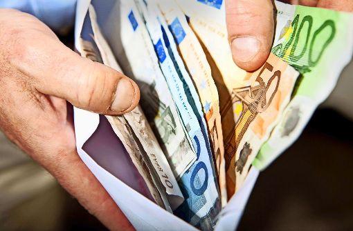 Postler stiehlt Geld aus zahlreichen Briefen