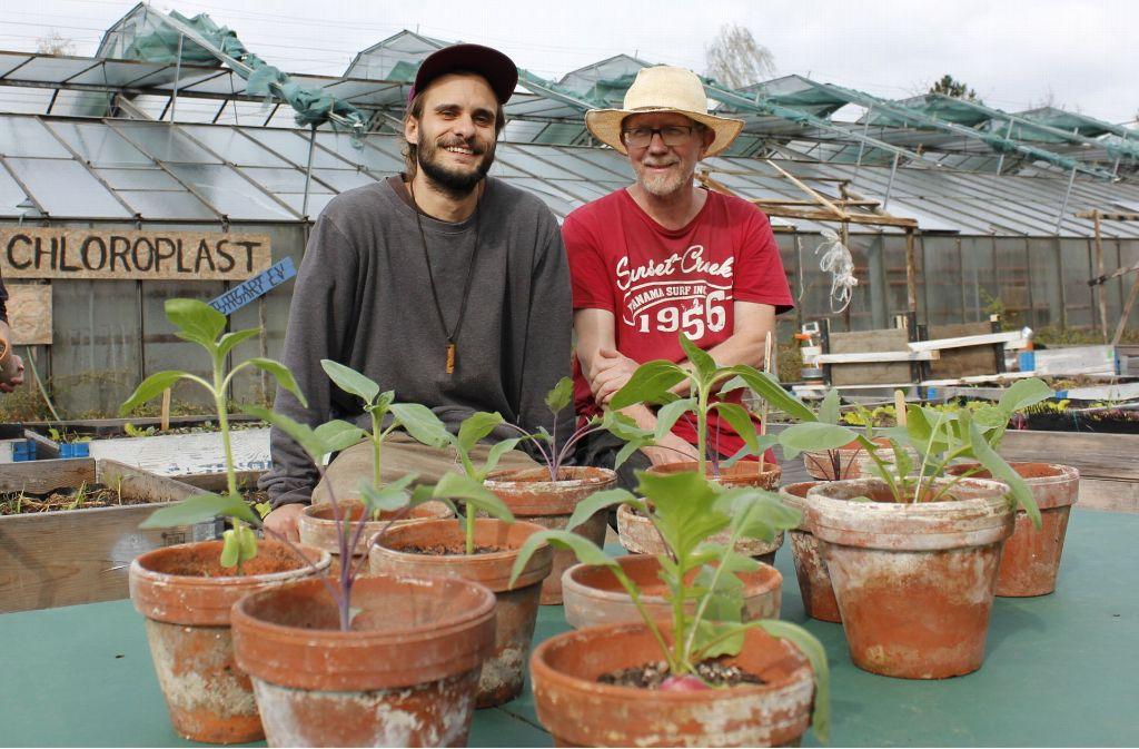 Tobias Hirt (links) und Andreas Zeger sind im Vorstand von Chloroplast. Um mitzugärtnern muss man allerdings kein Vereinsmitglied sein. Foto: Marta Popowska