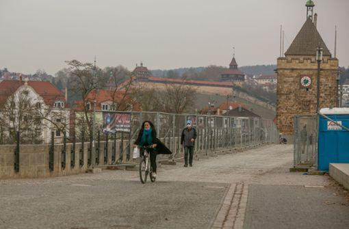 Pingpong um die Pliensaubrücke