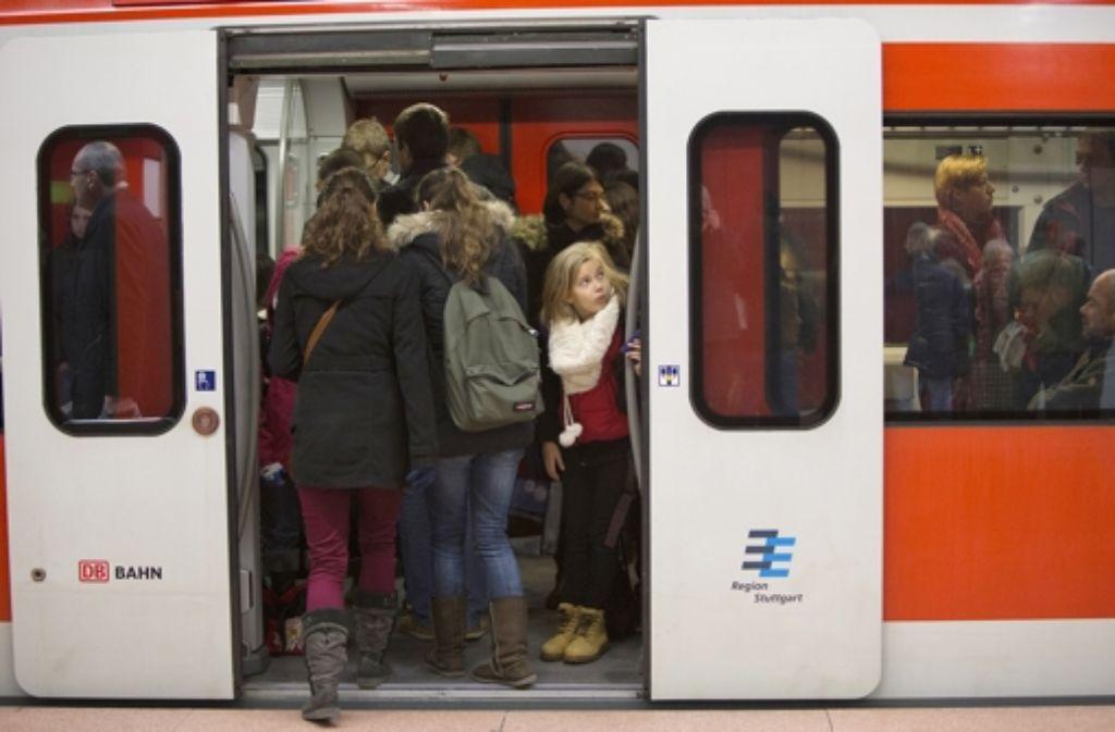 Viele Leser haben über ihre Probleme bei der täglichen S-Bahn-Nutzung geklagt. Foto: Michael Steinert