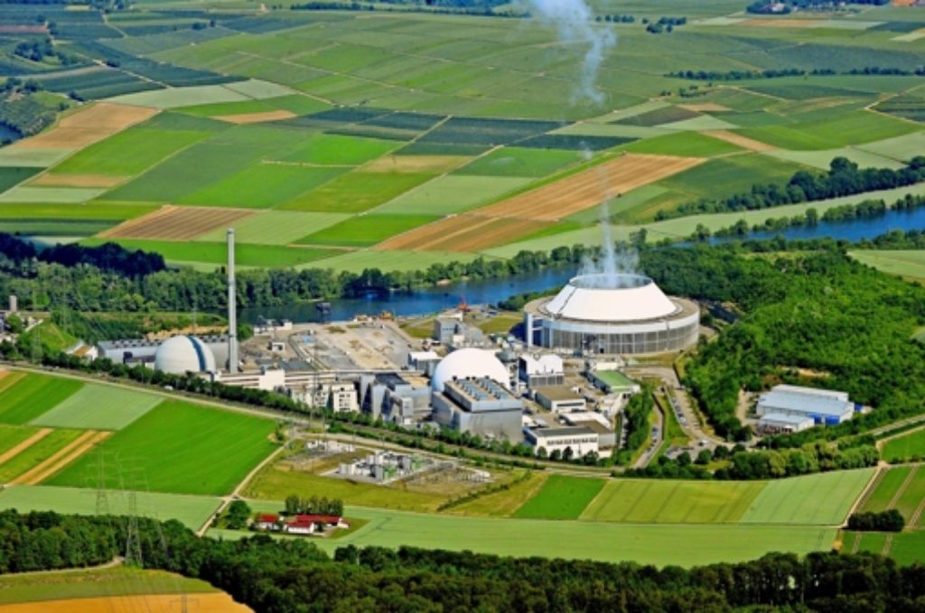 Der Landkreis muss den Teil des Atomkraftwerks Neckarwestheim, der auf seiner Gemarkung steht, selbst  entsorgen. Foto: Werner Kuhnle