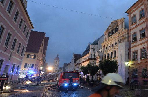 500 Jahre altes Rathaus fast komplett ausgebrannt