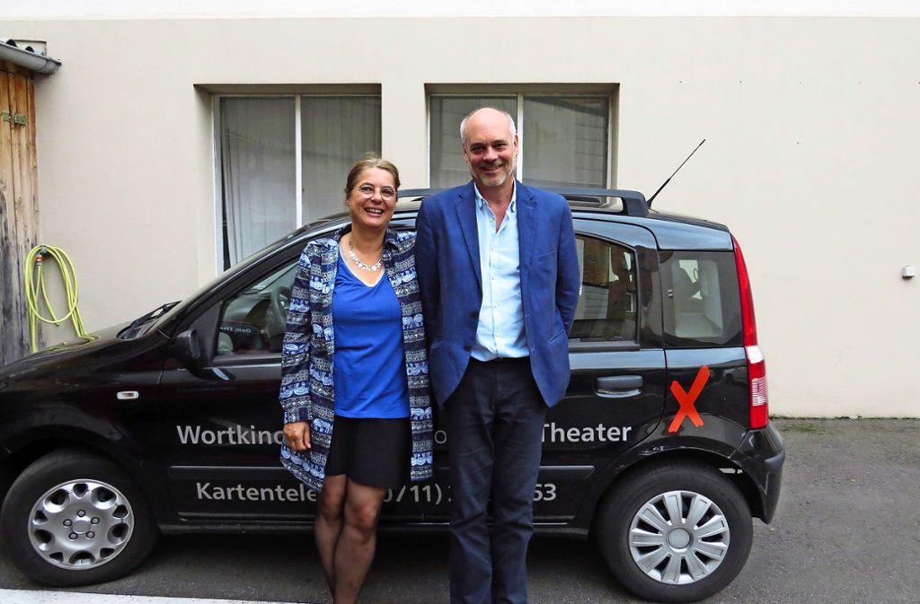 """Immer unterwegs: Bei ihren Aufführungen für das Bestelltheater """"Dein Theater"""" haben Katja Ritter und Hannes Eimert viel erlebt. Foto: Caroline Friedmann"""