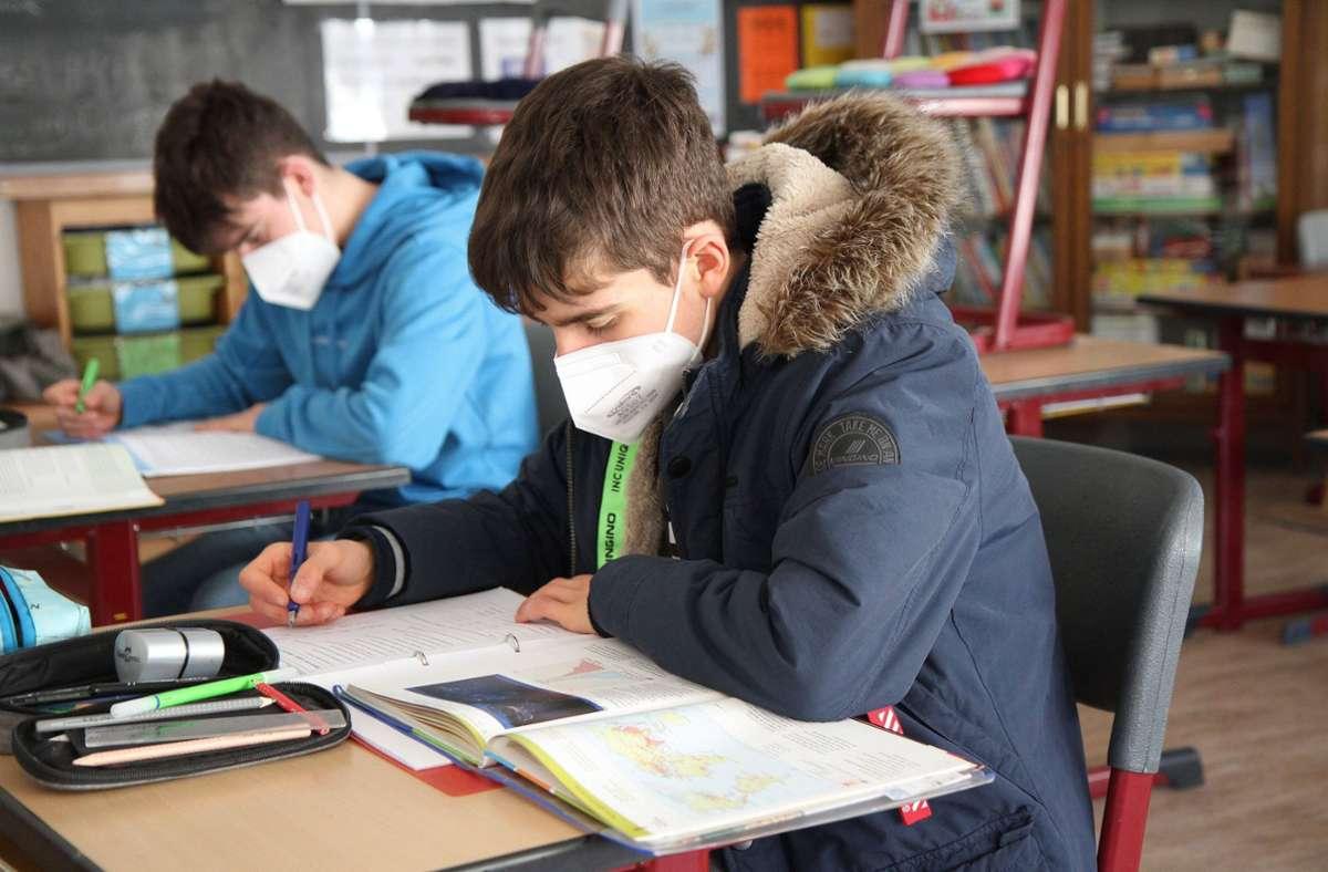 Wann die Schulen wieder öffnen, liegt in der Hand der Länder. Foto: imago images/Eibner