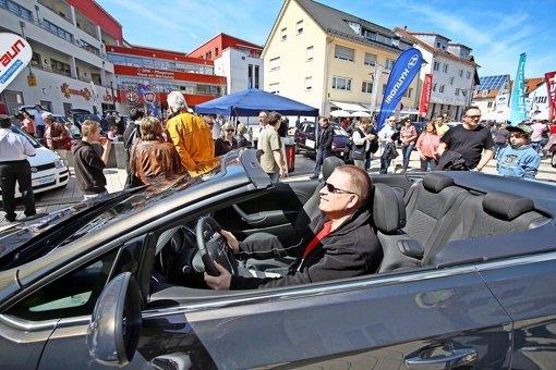 Vision Auto: Digital vernetzt und ohne Fahrer