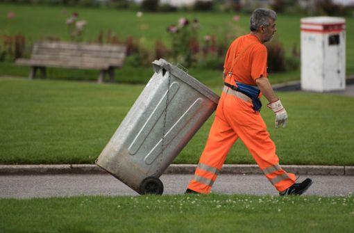 Mülltonnen in Stuttgart werden nicht geleert