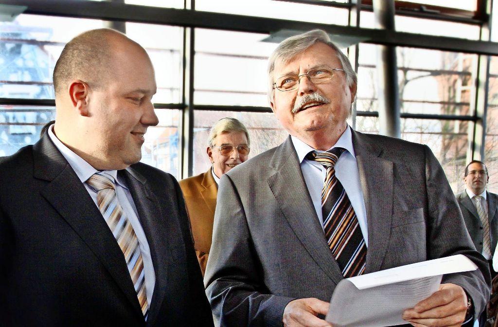 Nach der Wahl 2010: Mario Weisbrich (links) und de damals amtierende Bürgermeister Karlheinz Schüle. Foto: FACTUM-WEISE