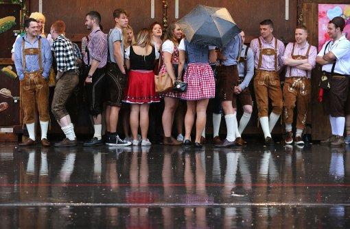 Oktoberfest startet im strömenden Regen