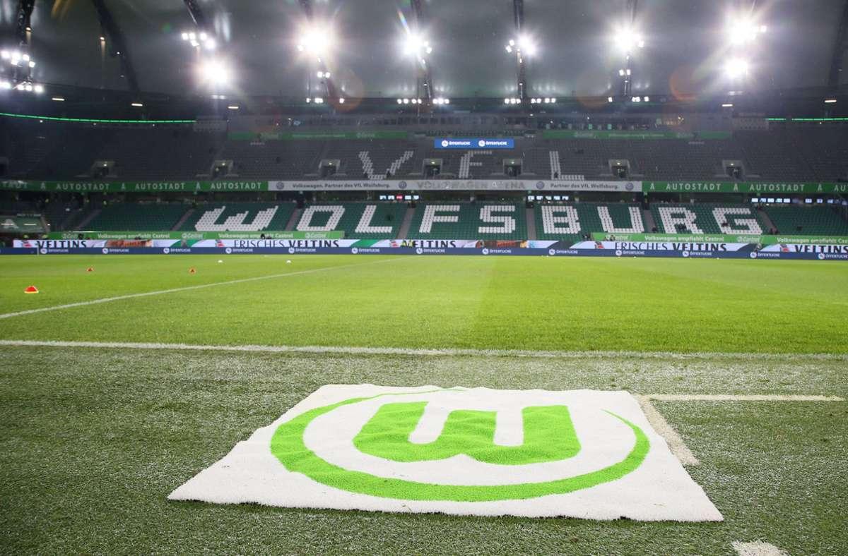 """... der VfL Wolfsburg ein. Der Verein verkauft keinen Schoko-Kalender, sondern bietet einen Online-Adventskalender mit """"allerhand bunten Videos und Quizformaten"""" an. Dieser ist kostenlos. Foto: imago images / Picture Point LE"""