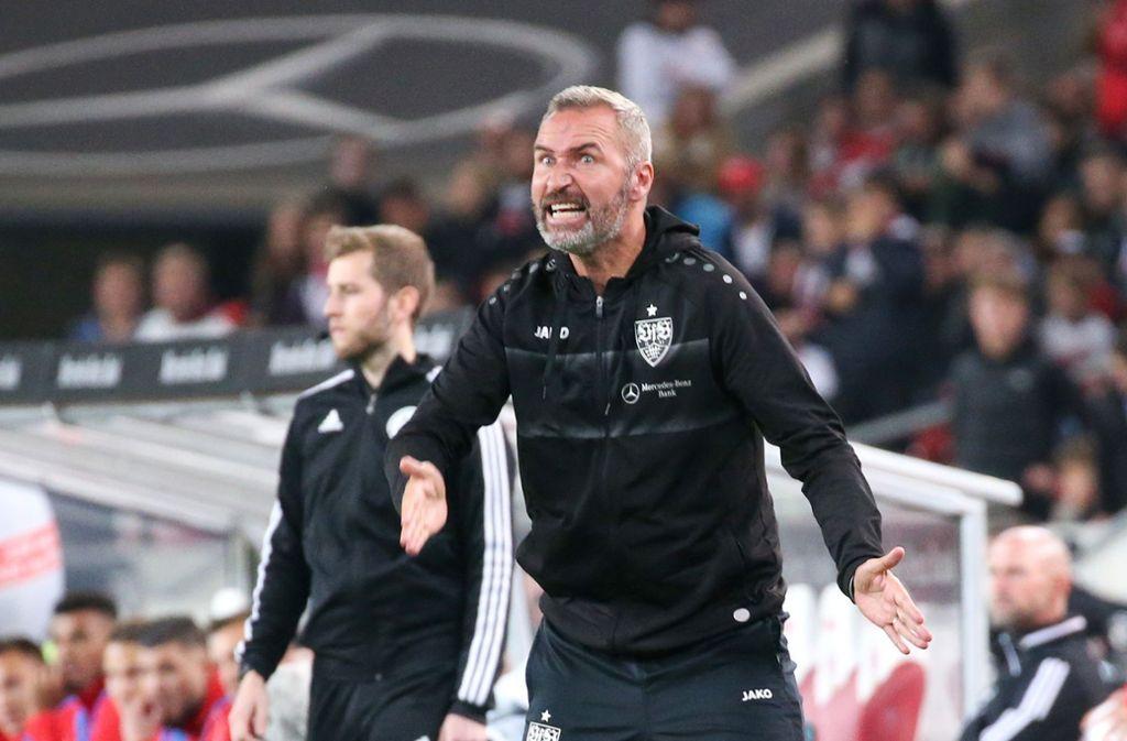 """""""Uns stellt keiner ein Bein"""", hatte VfB-Coach Tim Walter vor der Partie noch gesagt. Foto: Pressefoto Baumann/Alexander Keppler"""