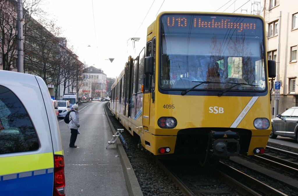 Der Stadtbahnverkehr wurde unterbrochen.  Foto: Andreas Rosar Fotoagentur-Stuttg