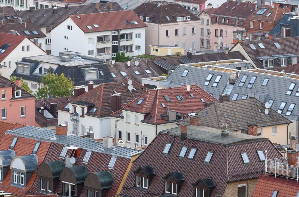 Mieter in Stuttgart müssen tief in die Tasche greifen. Foto: dpa/Sebastian Gollnow