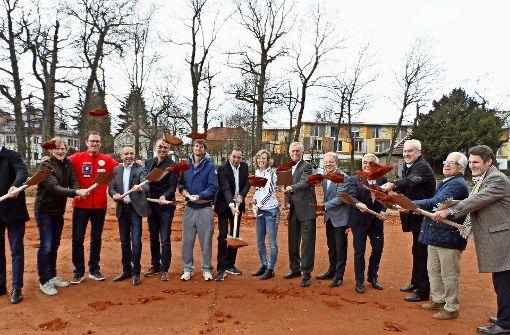 Spatenstich für die  neue Tennishalle des TEC Waldau