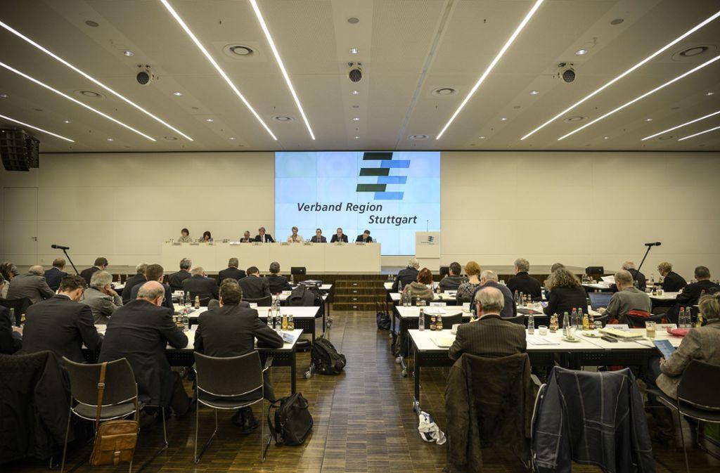 Blick in eine Sitzung der Regionalversammlung in der Sparkassenakademie Stuttgart Foto: Lichtgut/Leif Piechowski