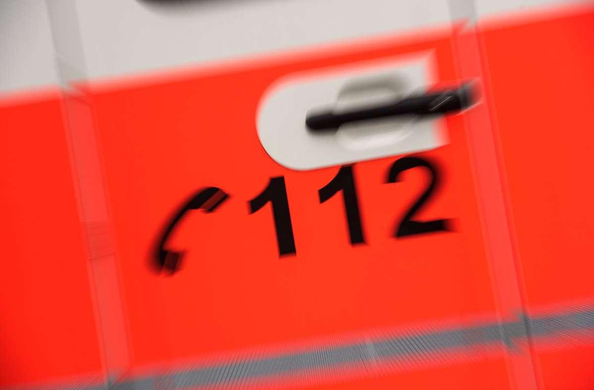 Sanitäter mussten am Sonntag einen Motorradfahrer reanimieren. Der 54-Jährige starb später im Krankenhaus. Foto: Lichtgut/Max Kovalenko/Lichtgut/Max Kovalenko
