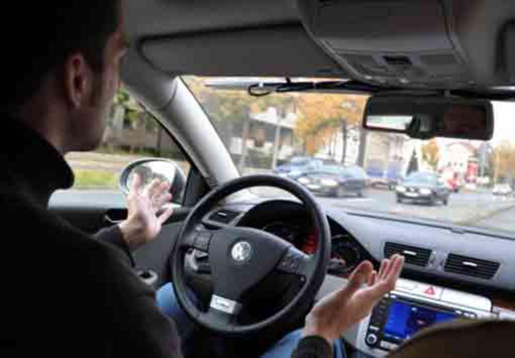 Bereits jetzt gibt es Fahrzeuge, die sich selbstständig im Straßenverkehr bewegen können. Ein Beifahrer ist nur noch bei technischen Problemen erforderlich.  Foto: TU Braunschweig