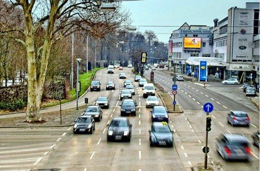 Am Neckartor ist die Luft 2013 noch dicker geworden. Foto: Martin Stollberg