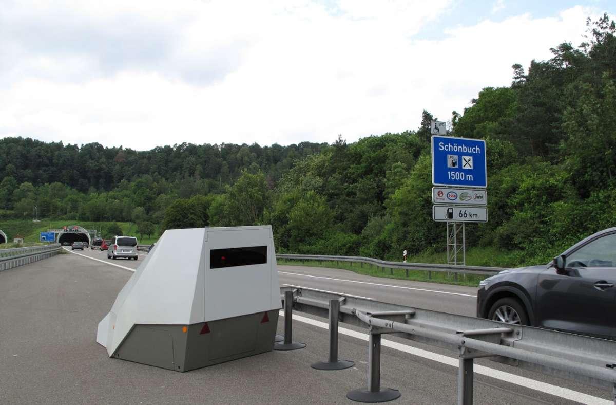 Der Enforcement-Trailer vor dem Schönbuchtunnel Foto: Polizeipräsidium Ludwigsburg