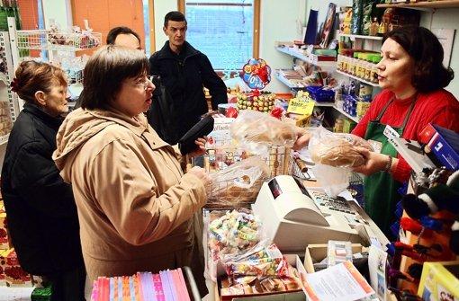 Wer im Tafelladen einkauft, wird schnell stigmatisiert – dem soll in Bietigheim-Bissingen bald entgegen gewirkt werden. Foto: dpa