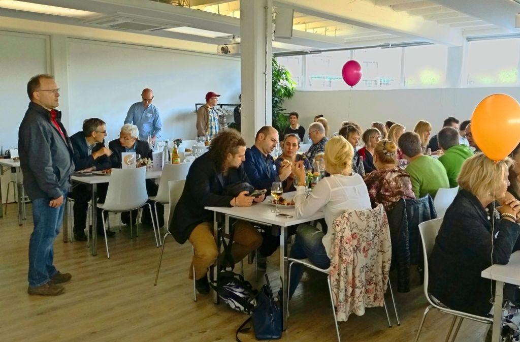 """Gemeinsam essen ist das verbindende Element in dem städtischen Projekt """"Salz und Suppe"""". Foto: Nina Ayerle"""