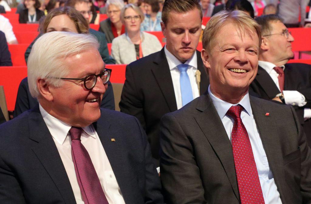 Auf einer Wellenlänge: Bundespräsident Frank-Walter Steinmeier (links) und der Vorsitzende des Gewerkschaftsbundes, Reiner Hoffmann. Foto: dpa