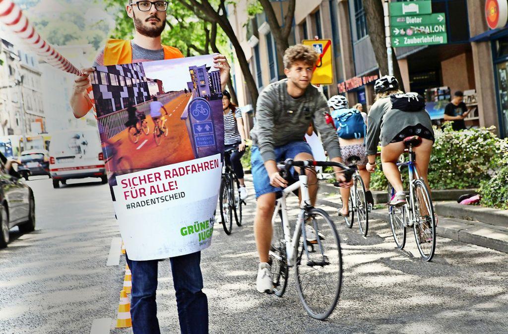 An der Charlottenstraße fehlt ein Radweg – das stört die Grüne Jugend. Foto: Lichtgut/Reich