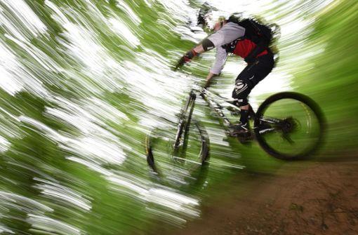 Mountainbiker mit Nägeln gefährdet
