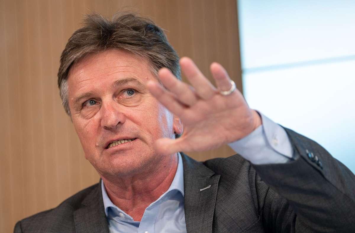 Sozialminister Manfred Lucha zieht eher keine Verlängerung des kostenlosen Angebots in Betracht. (Archivbild) Foto: picture alliance/dpa/Sebastian Gollnow