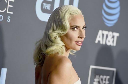 Lady Gaga präsentiert riesiges Rücken-Tattoo